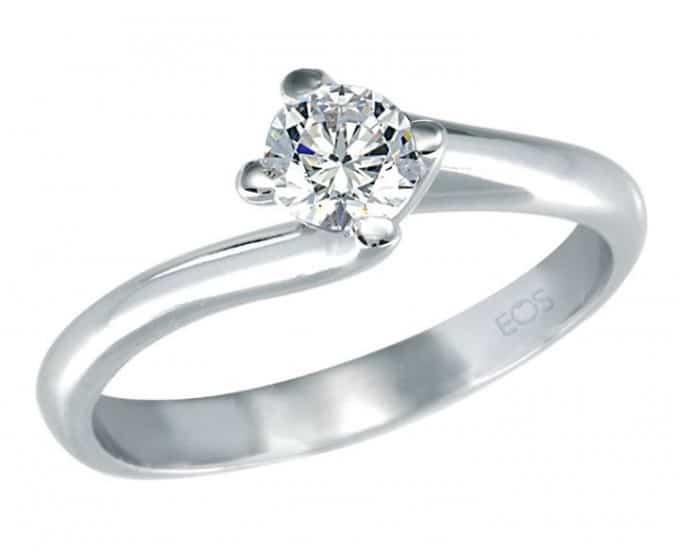 διαμαντένιο δαχτυλίδι αρραβώνων
