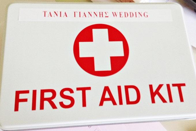first aid kit για τους καλεσμένους του γάμου
