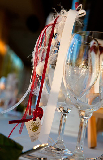 Red and white guest favor