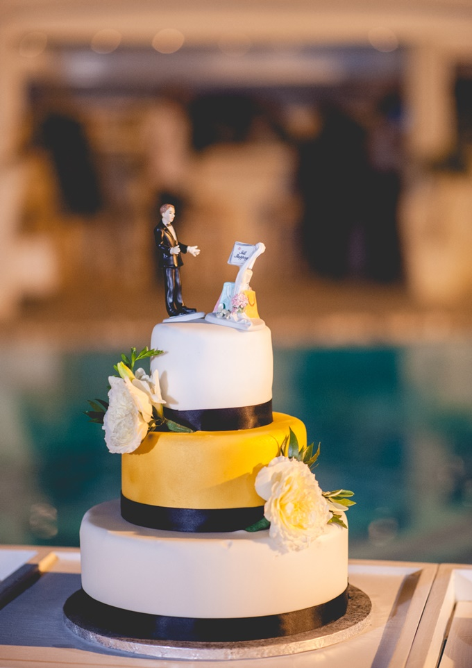Funny wedding cake the wedding tales funny wedding cake junglespirit Images