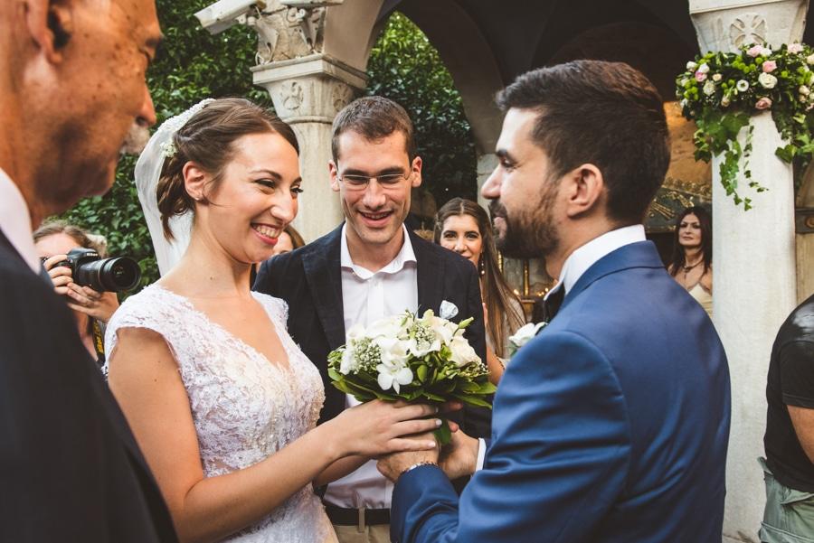 Φωτογράφιση Γάμου  Manos Skoularikos Γάμος στο St. George Lycabettus e65c01f88ad