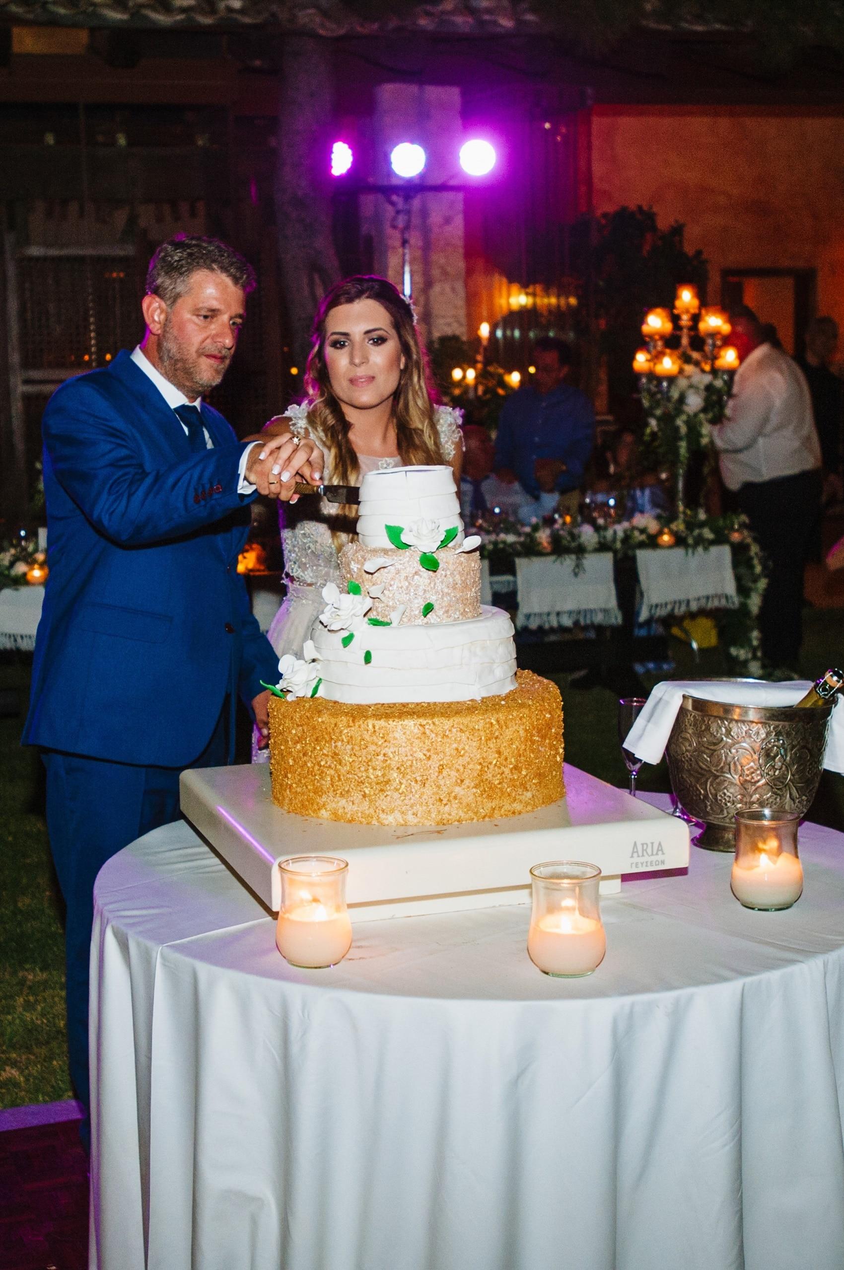 γάμος με μεταλλικό θέμα