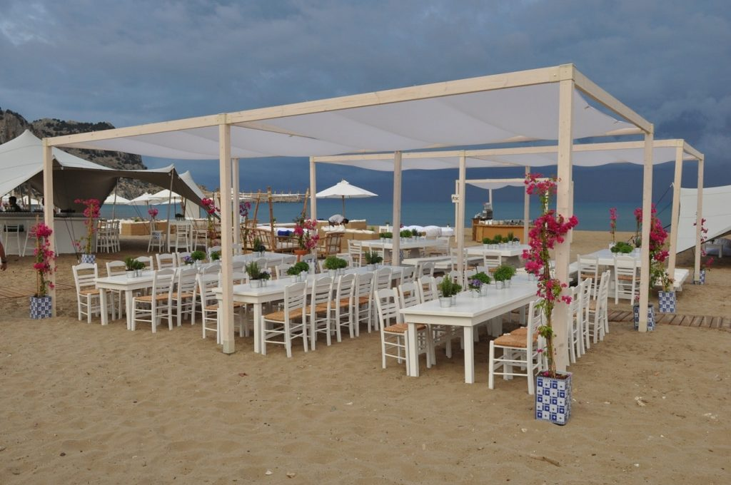 wedding guest beach party tables