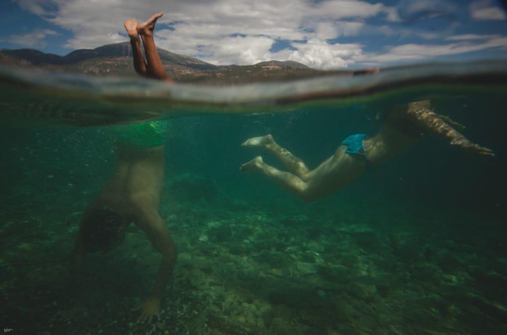 Υποβρύχια φωτογράφιση ζευγαριού