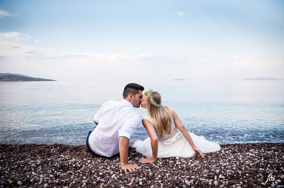 Wedding photoshoot by the sea