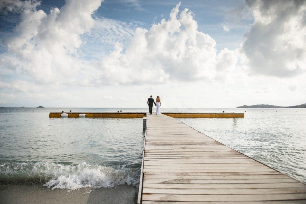Φωτογράφιση γάμου στη θάλασσα