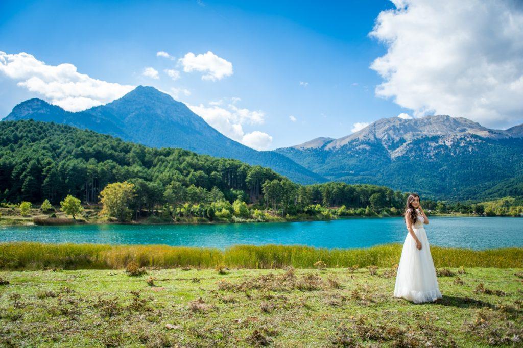 Destination φωτογράφιση γάμου σε λίμνη