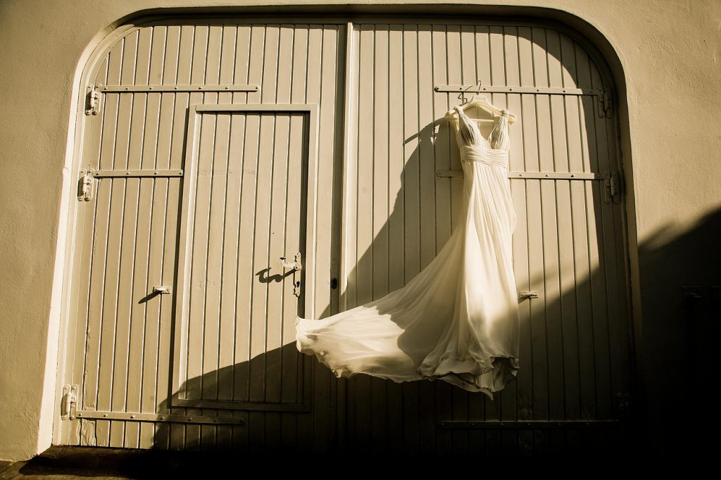 νυφικό καλόκαιρινού γάμου