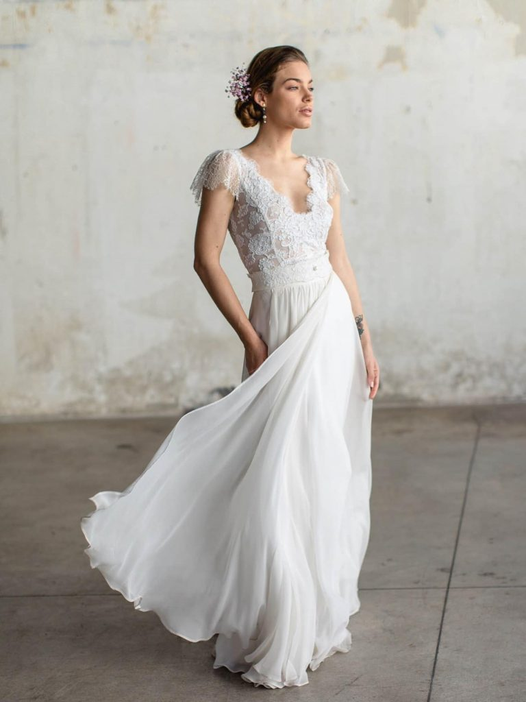 romantic wedding dress with tulle skirt