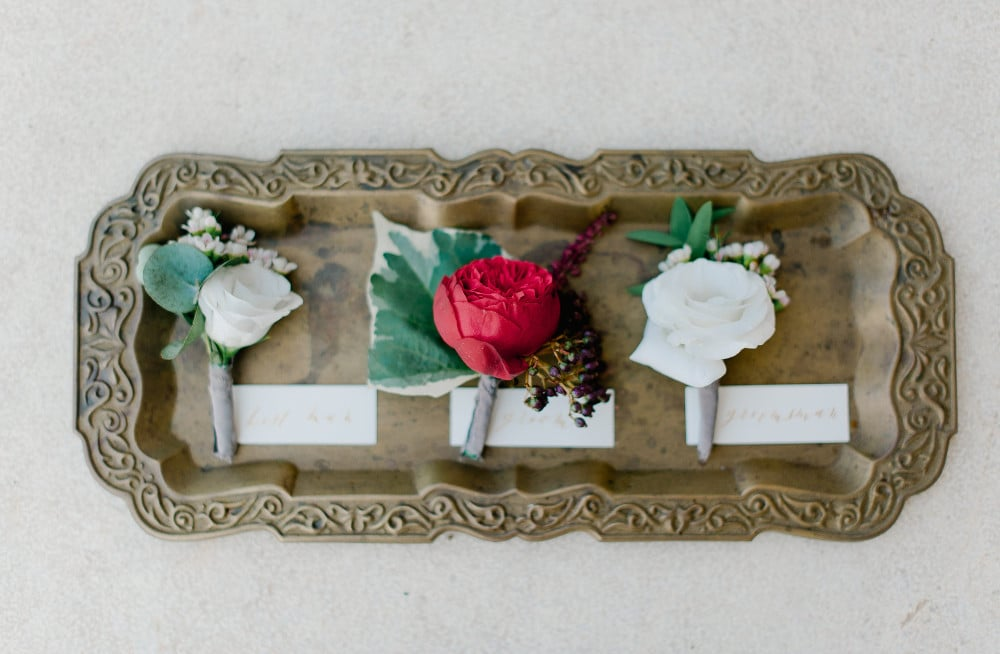 groom's and best man's boutonnieres