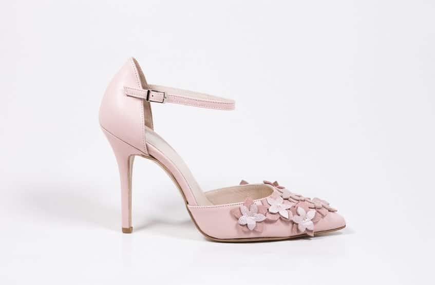 Νυφικά παπούτσια με λουλούδια Sideris