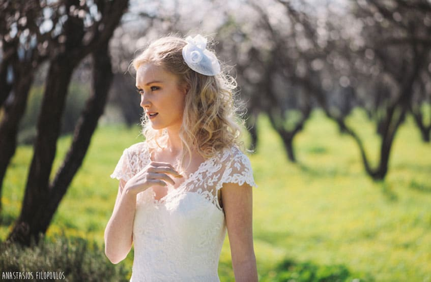blonde bride with natural make up