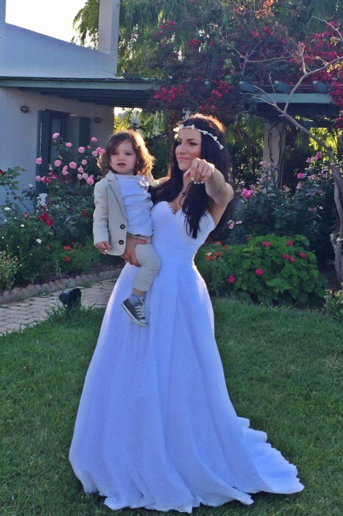 νύφη με φυσικό χτένισμα και μακιγιάζ