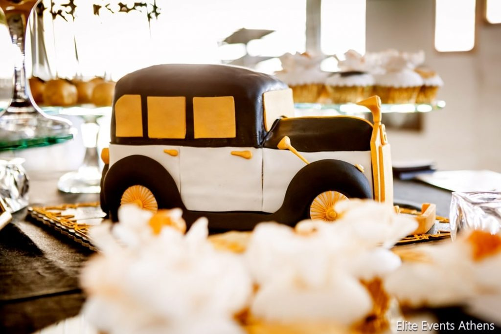 great gatsby themed wedding dessert table