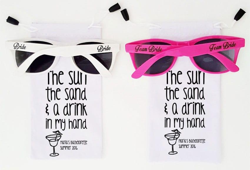 γυαλιά ηλίου για bachelorette στην παραλία