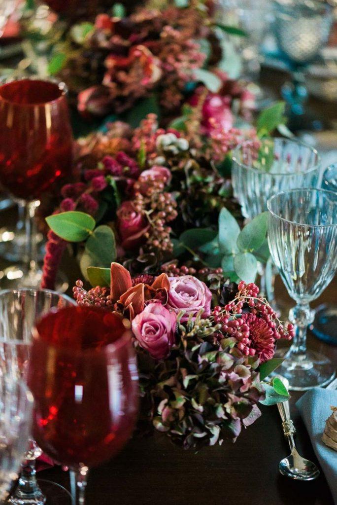 red wedding flower decoration