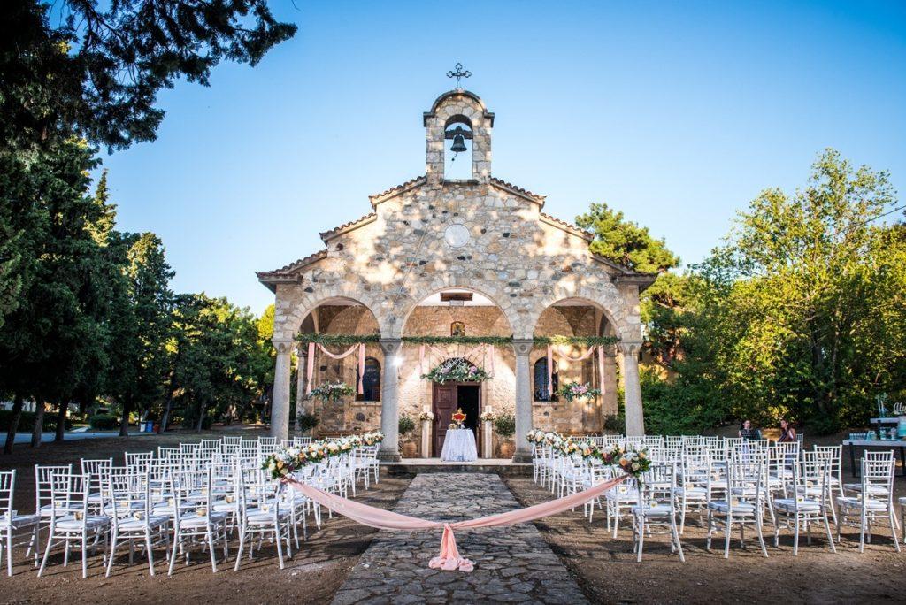 διακόσμηση γάμου εκκλησίας