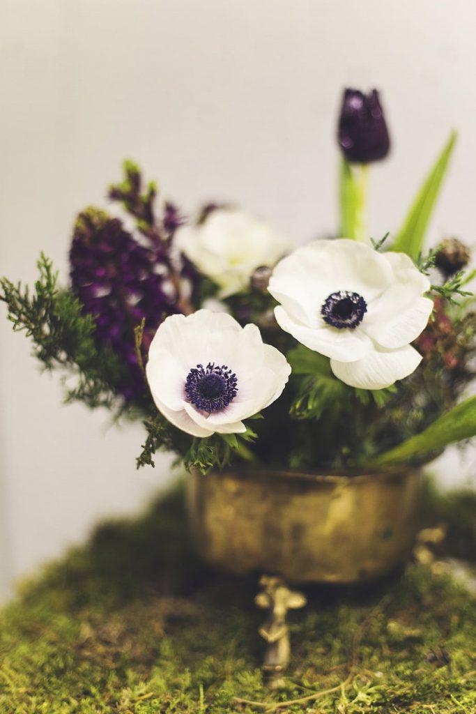anemone flowers for winter weddings