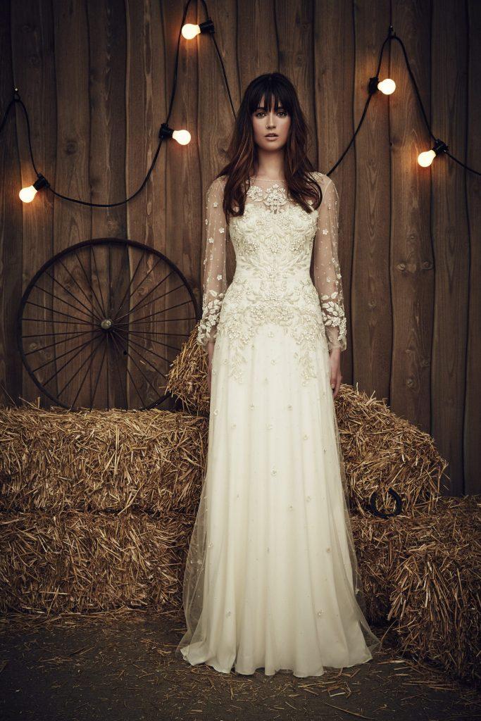 Dreamy Jenny Packham wedding dress