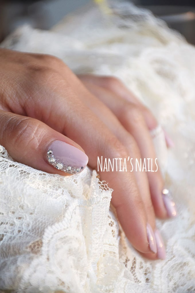 White bridal manicure with strass
