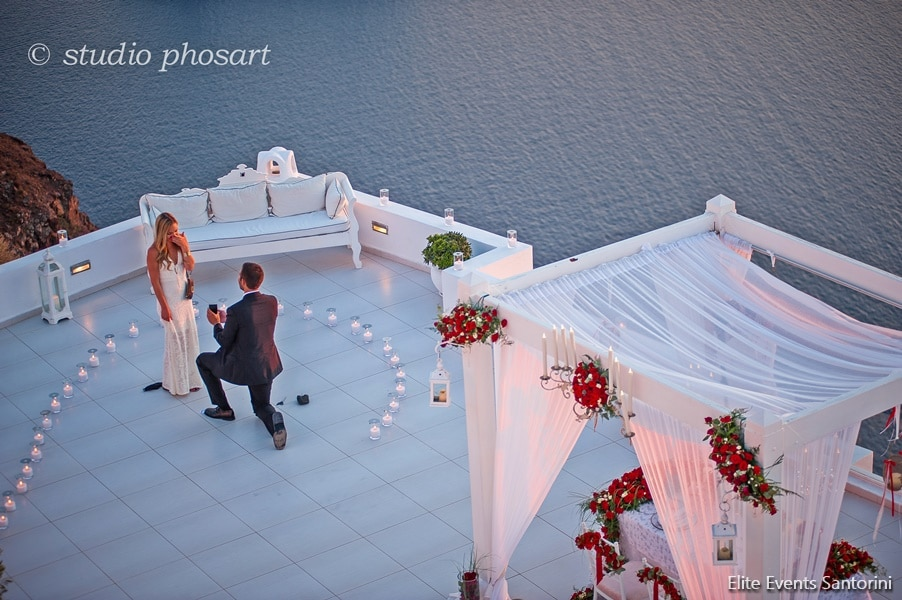 wedding proposal in santorini
