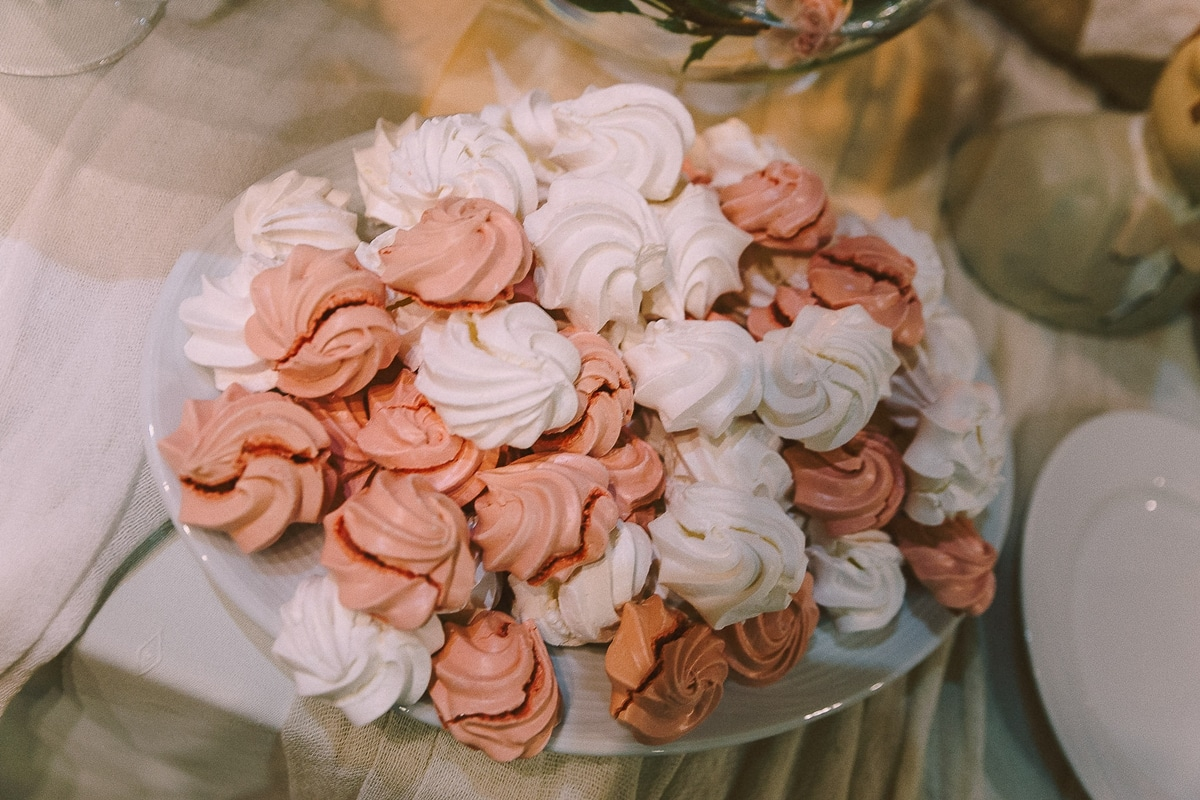 Wedding meringues