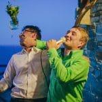 Καλεσμένοι γάμου σε karaoke