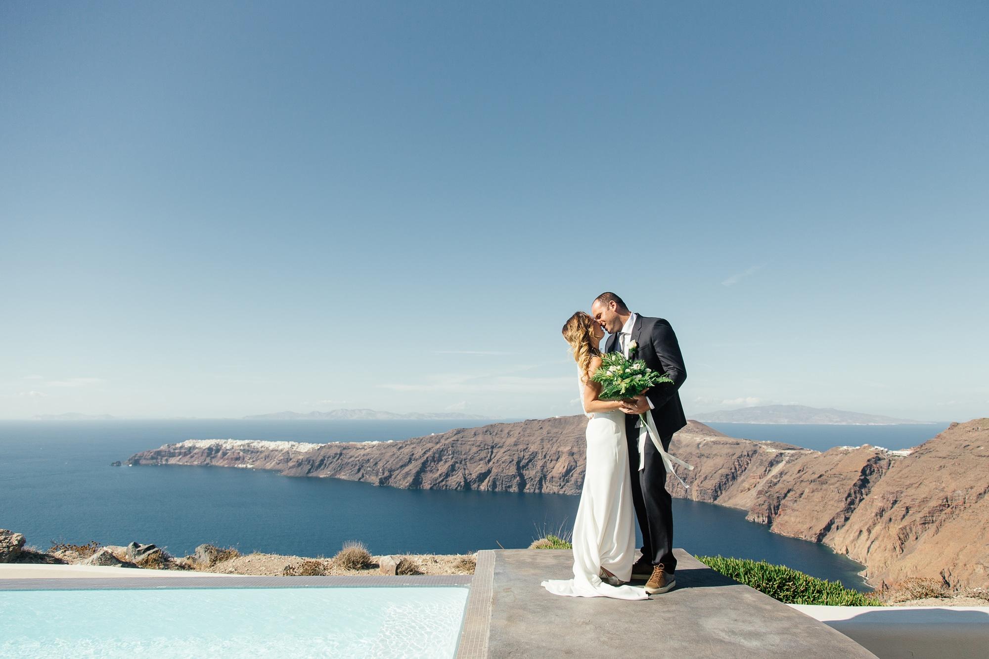 φωτογράφιση νύφης και γαμπρού στη Σαντορίνη Olga Creative photography