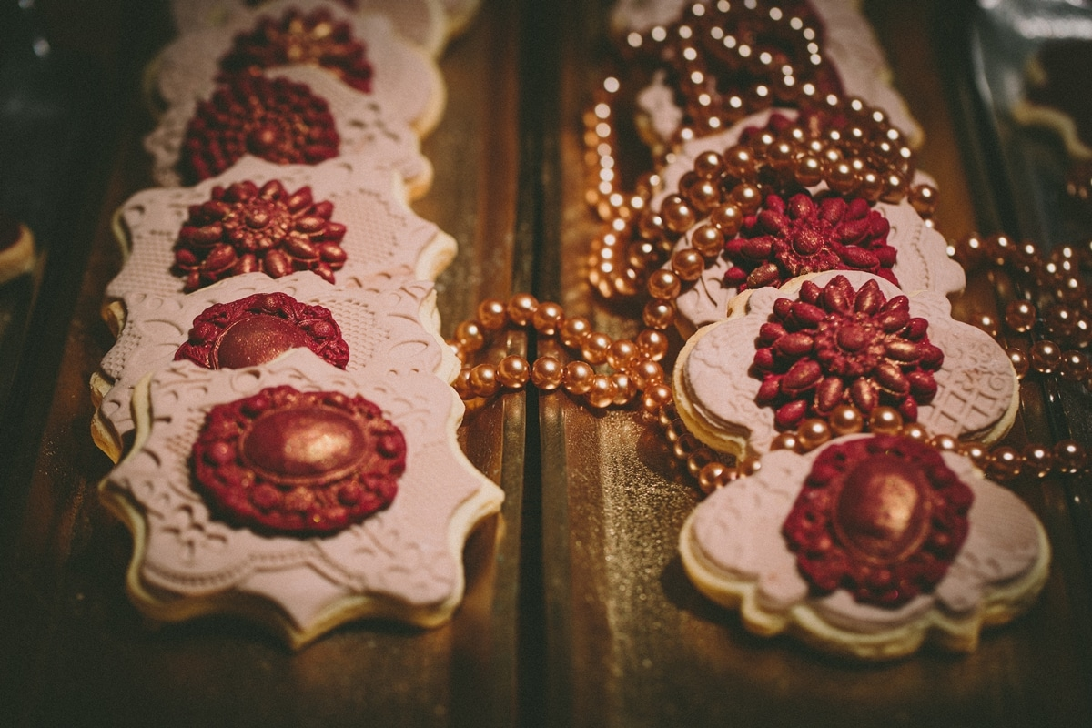 Burgundy and pink wedding biscuits