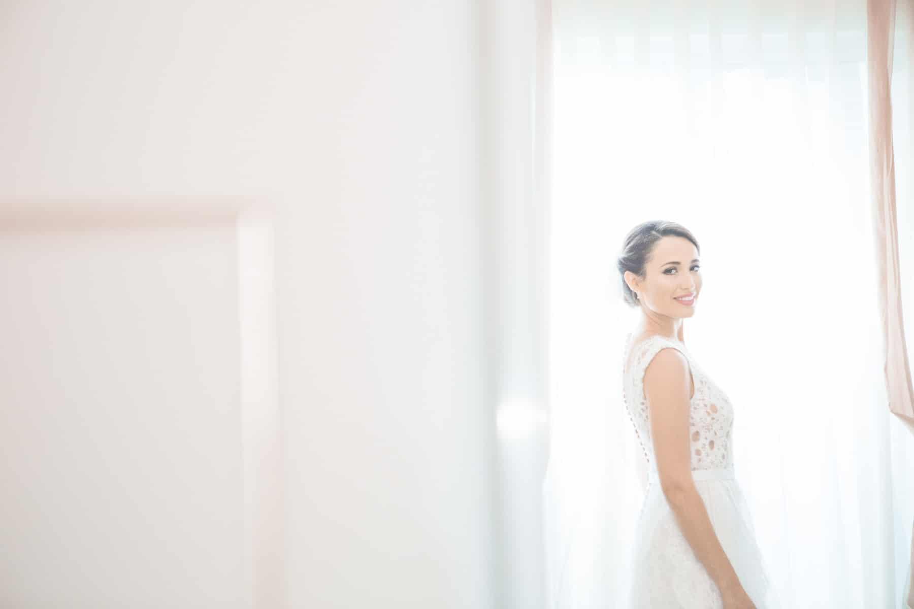 λευκό νυφικό Mi Ro designers