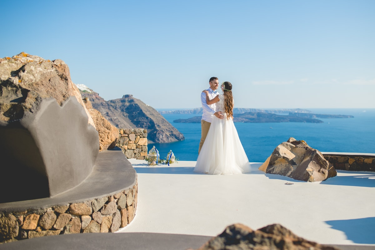 Summer wedding in Santorini phosart photography