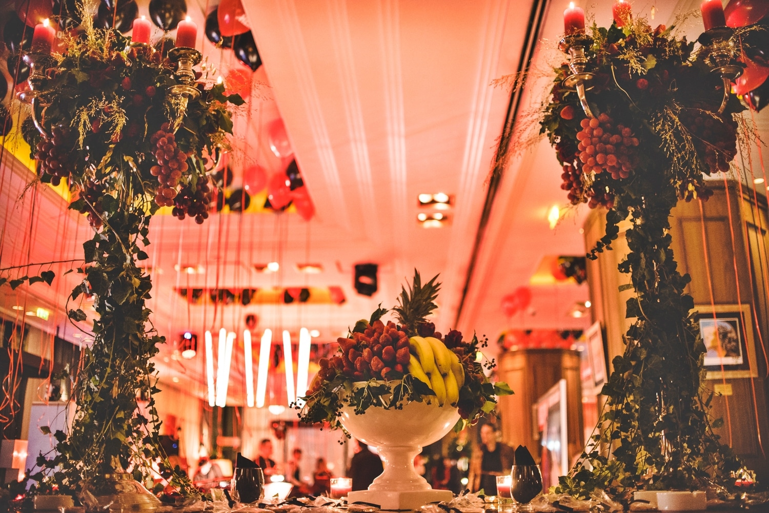 Red rustic wedding decoration