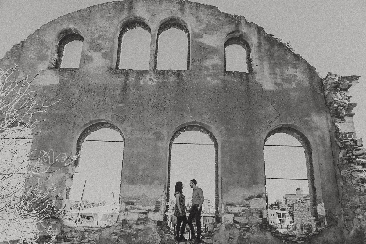 Μποέμ ρομαντική pre wedding φωτογράφιση στο Λαύριο