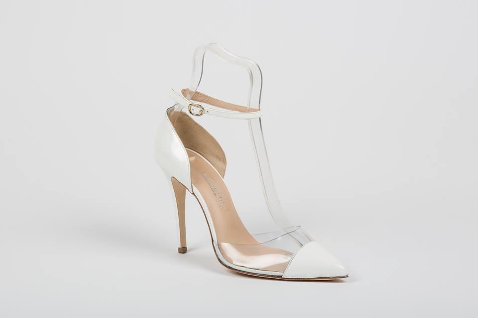 7c1b268450 Μοναδικά χειροποίητα νυφικά παπούτσια Άνοιξη-Καλοκαίρι 2017 ...