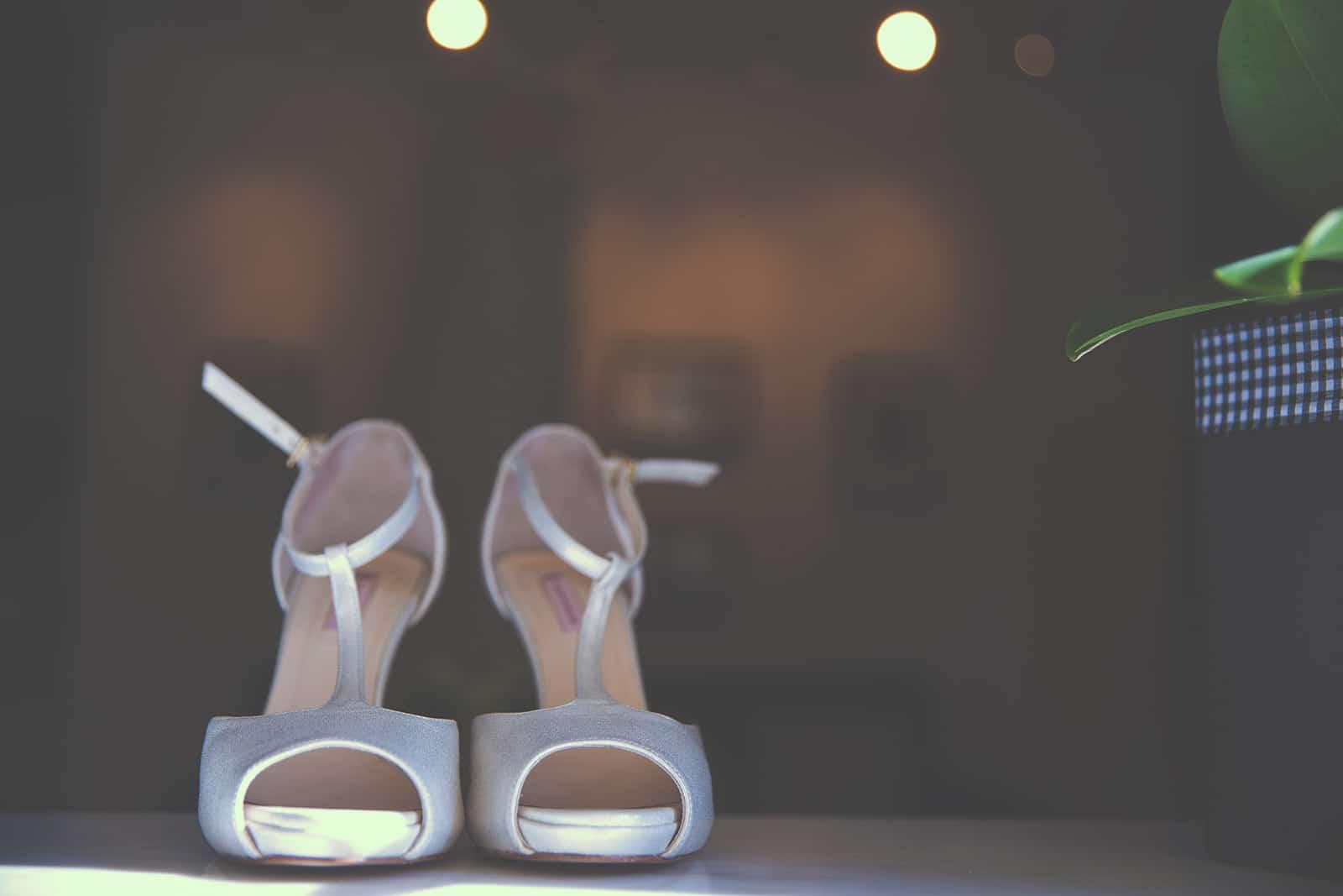 Νυφικά παπούτσια με μπαρέτα