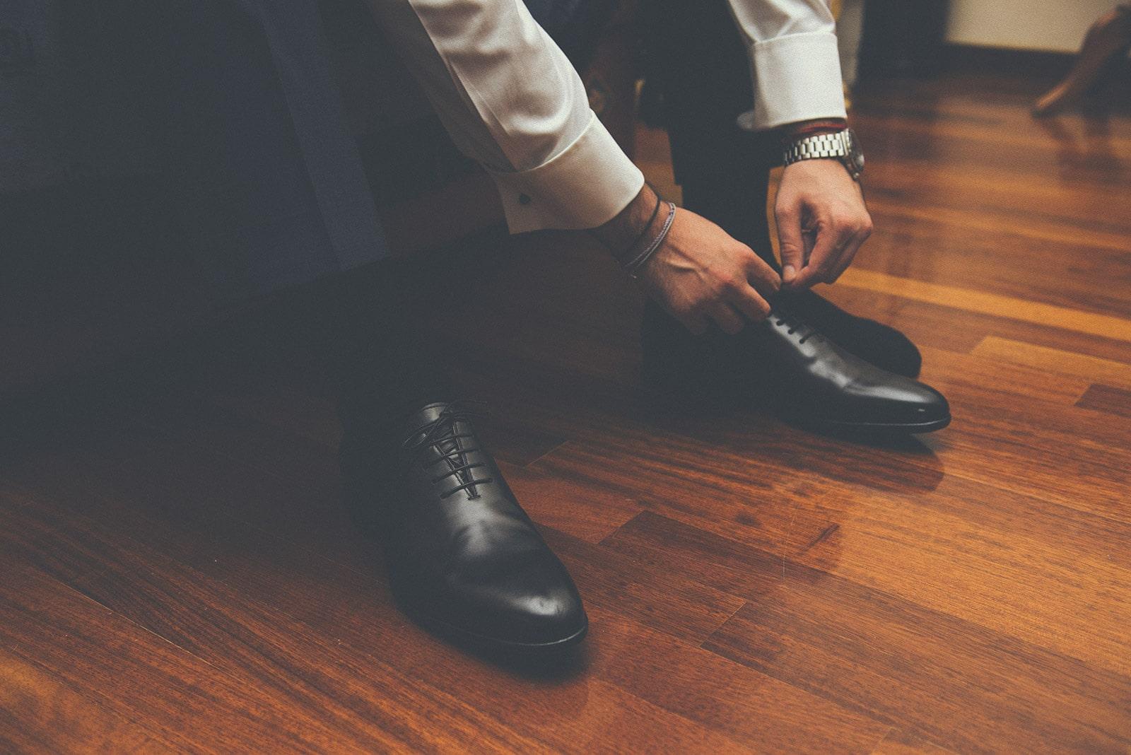 Μαύρα δετά παπούτσια για το γαμπρό