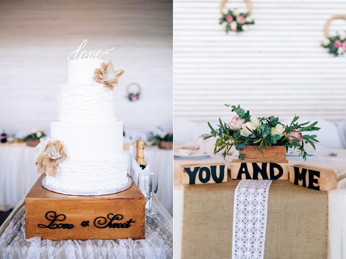 Rustic διακόμσηση γάμου με παχύφυτα και τριαντάφυλλα