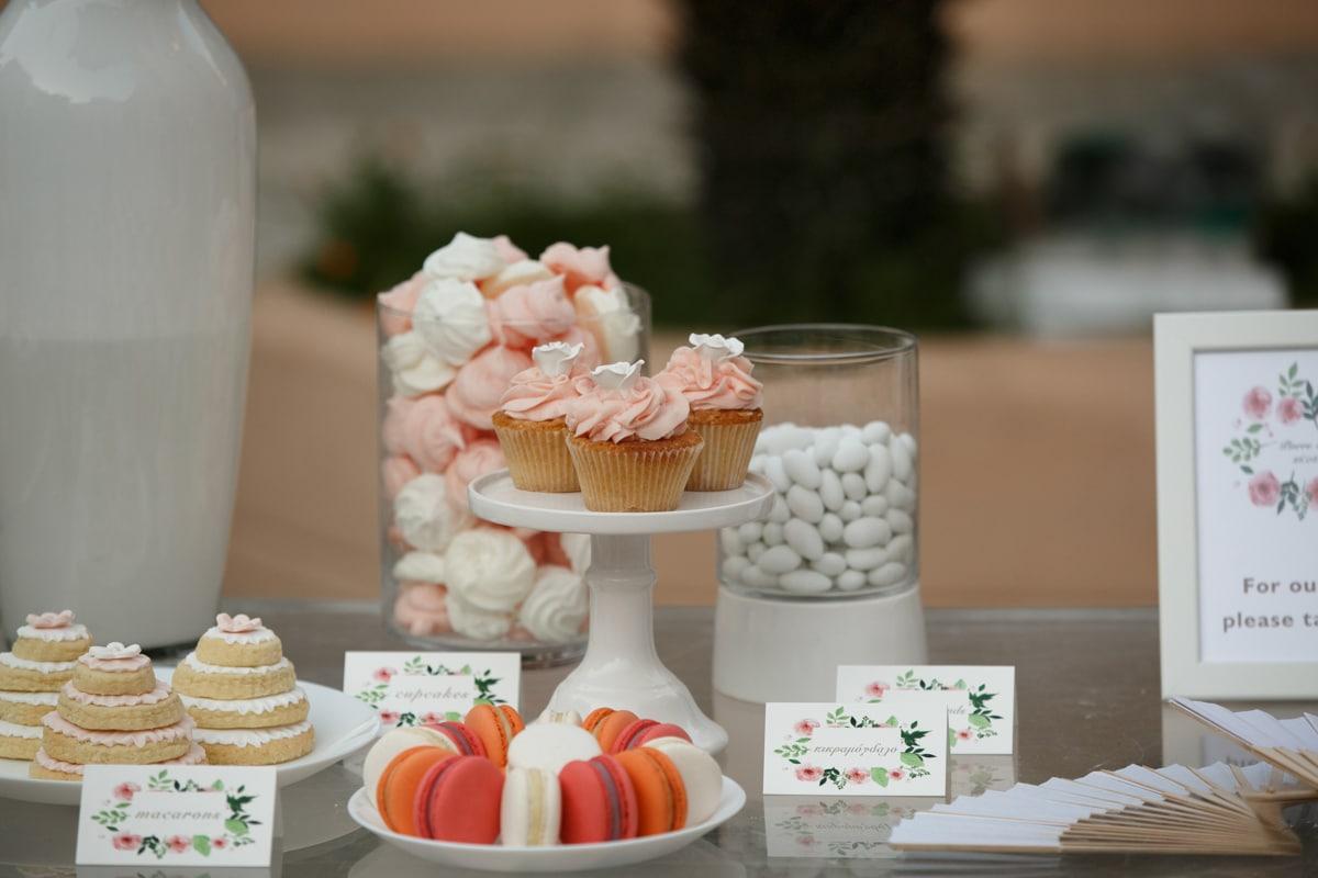 Ροζ cupcakes γάμου