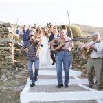 Ιδέες για άφιξη της νύφης στην εκκλησία με βιολιά