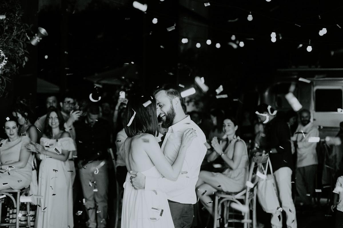 Πρώτος χορός νύφης και γαμπρού