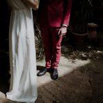 Ιδέες για κόκκινο κοστούμι γαμπρού