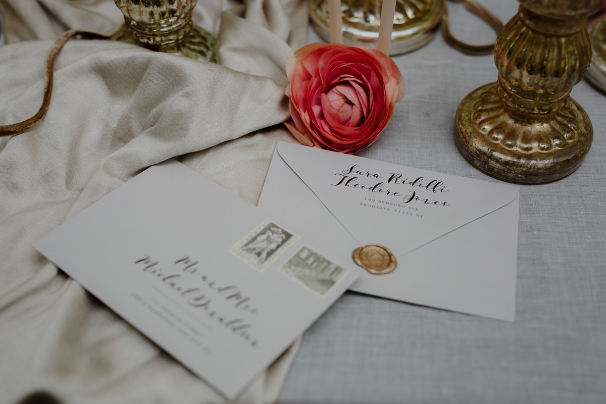 Wedding invitations with sealing wax