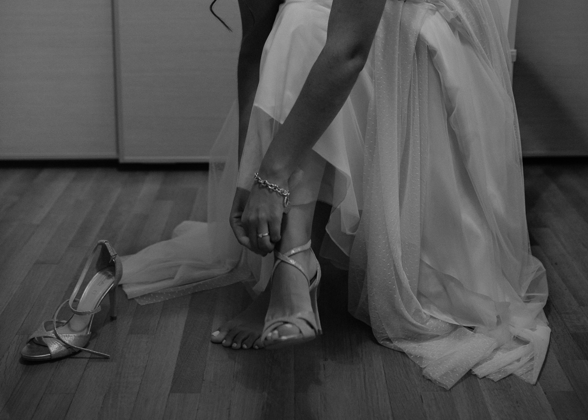 Bridal shoes with straps