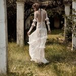 Boho νυφικό φόρεμα με βολάν και διαφάνειες Christos Costarellos