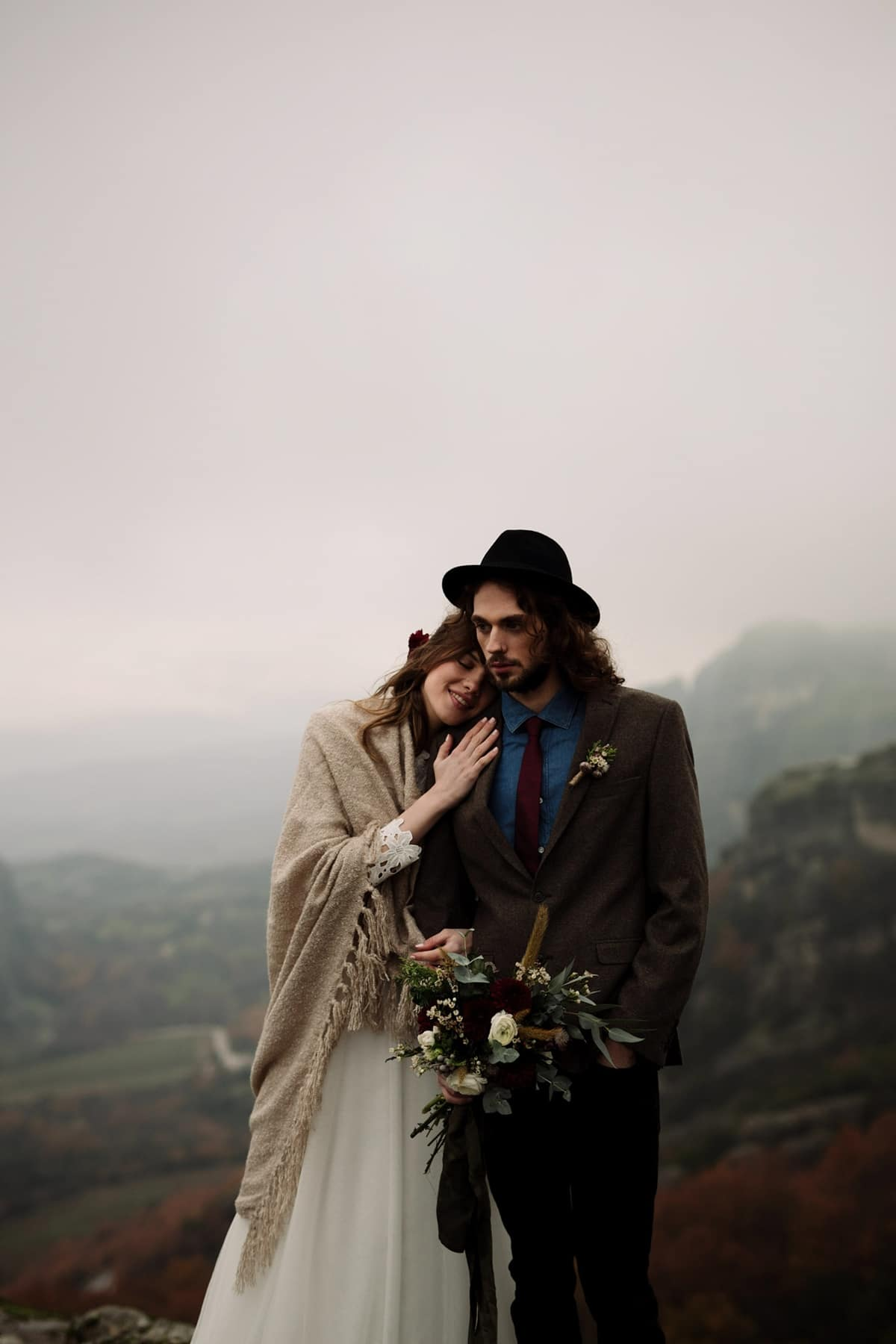 Ideas for romantic winter elopement at the mountains