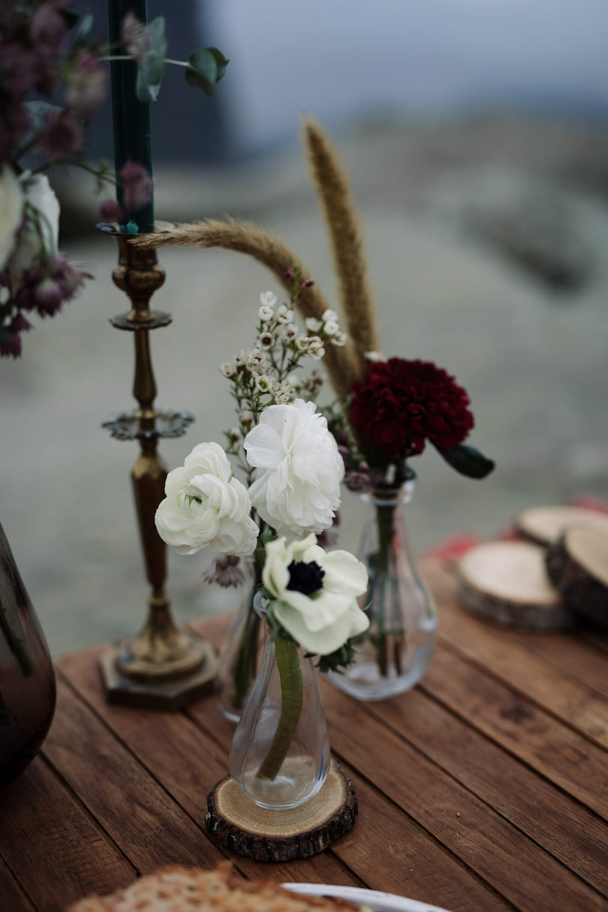 Ideas for winter wedding flower centerpieces