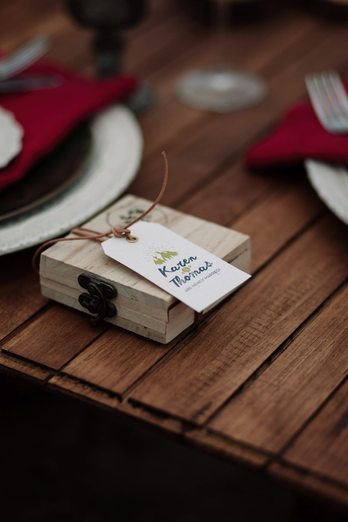 Ideas for original winter wedding guest favors