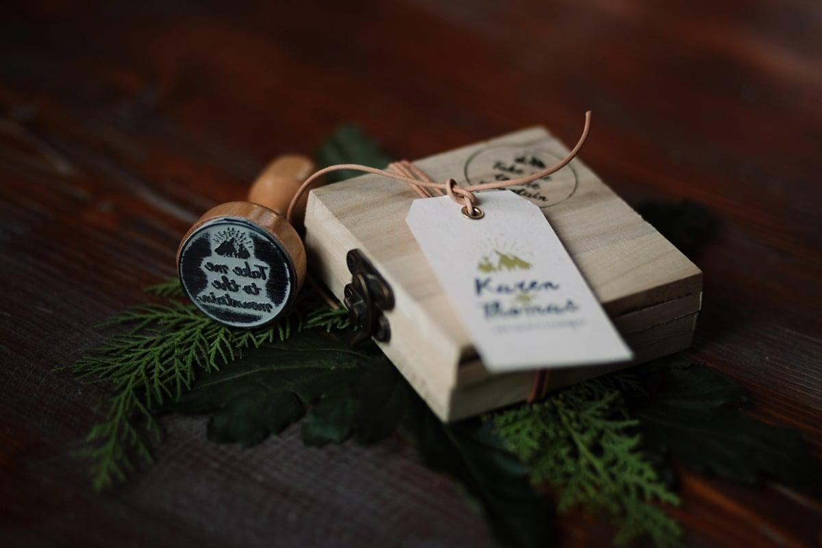 Ideas for original winter wedding guest favors