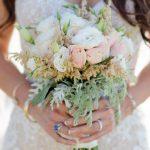 Νυφική ανθοδέσμη με τριαντάφυλλα & αστίλμπη