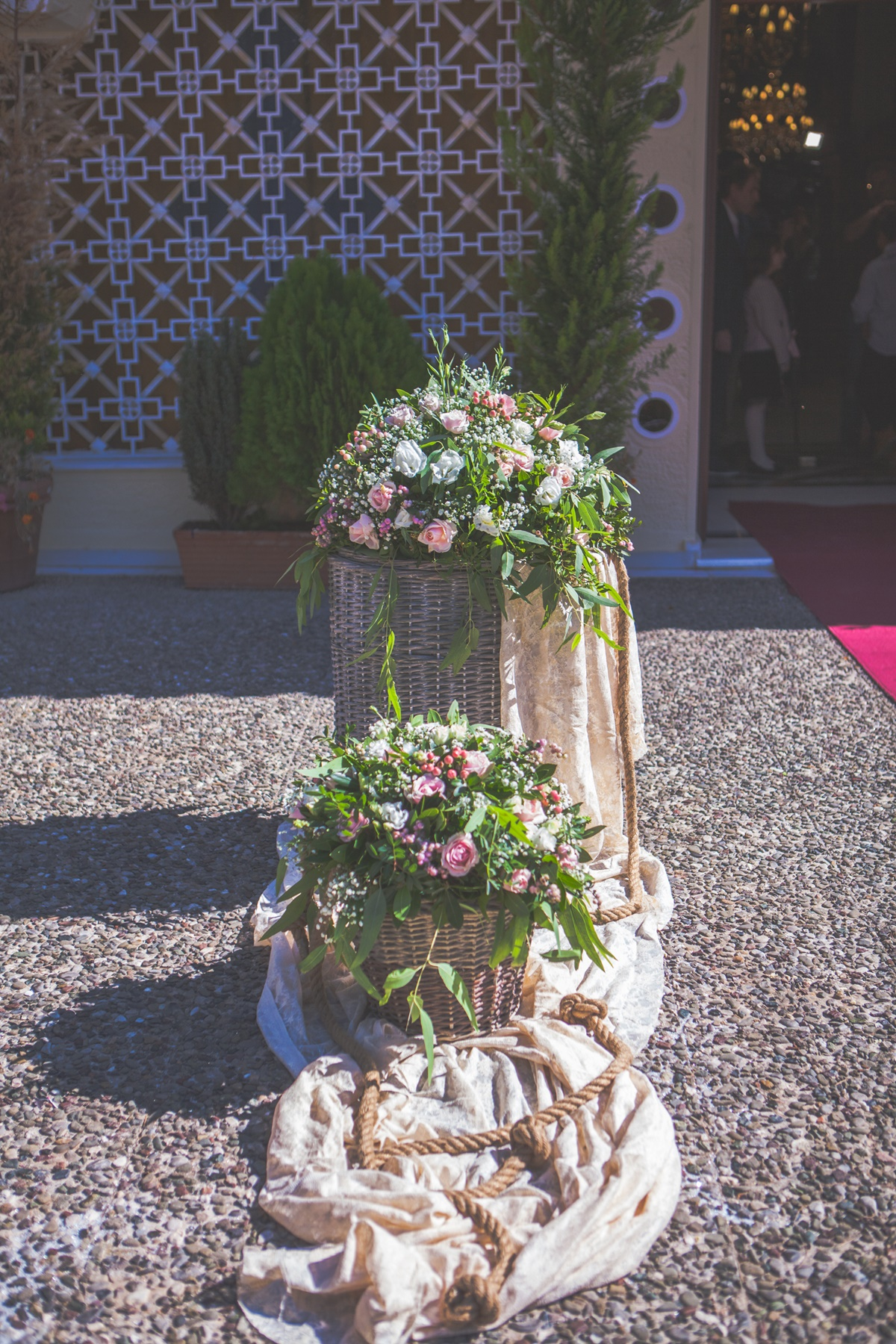 Romantic rustic wedding with off white shades